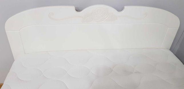 Łóżko z materacem dla dziewczynki