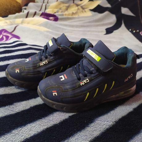 Кросівки 32 розмір модні