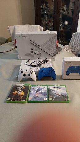 Sprzedam xbox one s +4 gry i 2 pady
