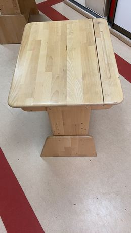 Парта дерев'яна для початкової школи