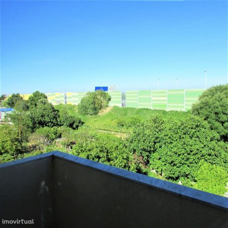 Apartamento T2 para remodelação - Vila Franca de Xira