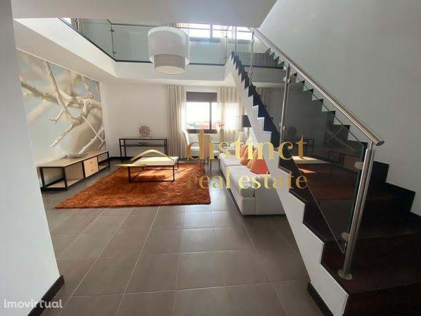 Apartamento Duplex no Monte Laguna