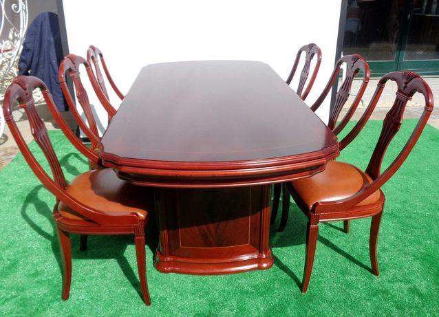 Mesa cerejeira extensível (até 3,10m) com cadeiras estofadas