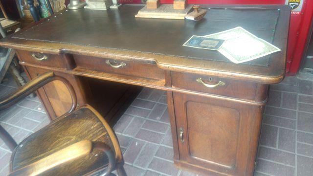 Stare  drewniane biurko