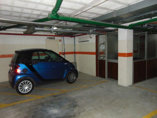 Alugo lugares de garagem + Arrumos, centro de Gondomar