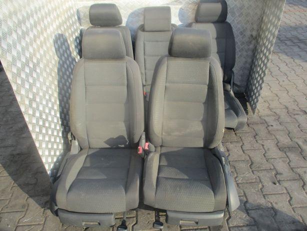 Fotele - komplet 7 osób VW Touran 04-05r.