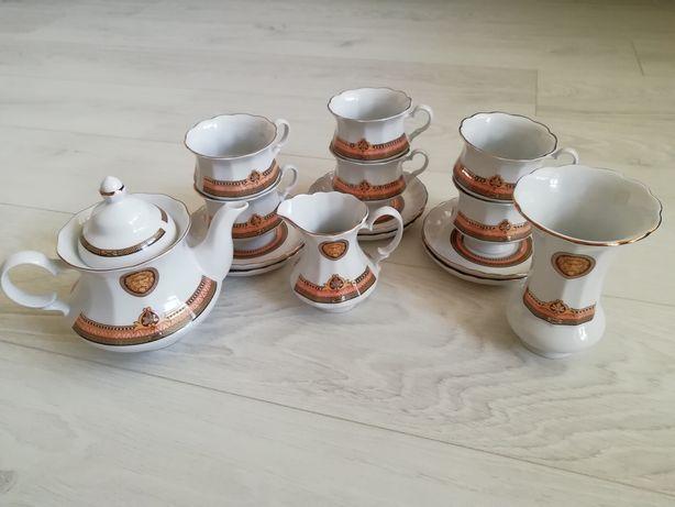 Сервиз чайный порцеляновый