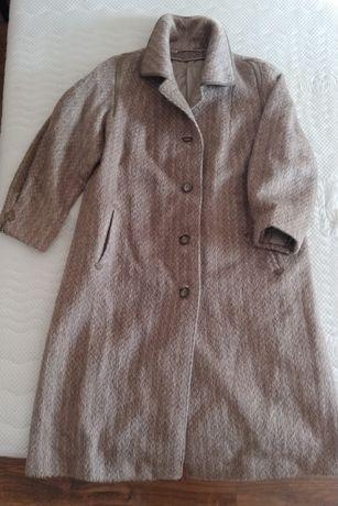 Płaszcz damski, lekkie futro damskie; 100% alpaka; rozmiar 46