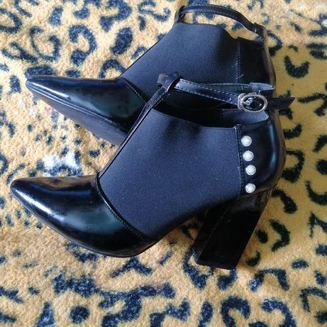 Туфлі полусопожки