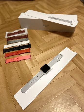Apple Watch 3 38 silver + 7 ремешков в подарок)