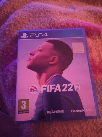 FIFA 22 PS4 semi novo