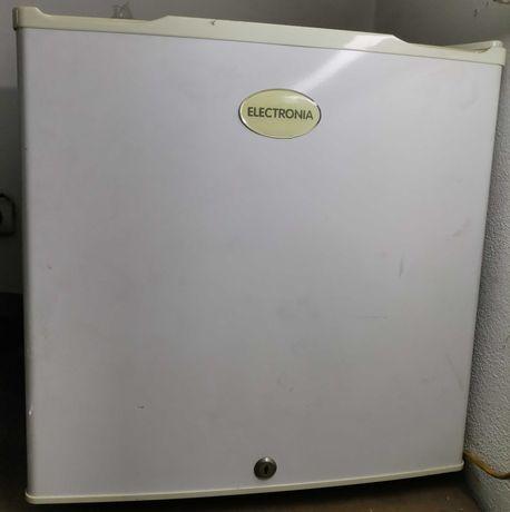 Mini Frigorífico Electronia com mini congelador