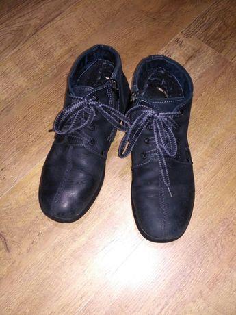 Продаю демисезонные ботинки на мальчика