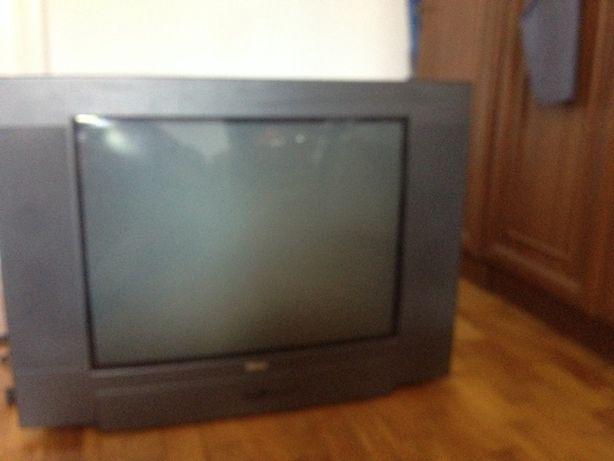Телевізор 27 дюймів Tevion MD7115 VTS-A Майже не вживаний
