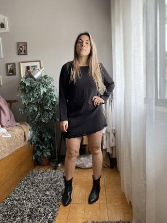 Vestido preto feito por costureira