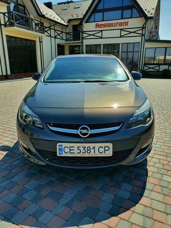 Продам Opel Astra J Restayling в дуже хорошому стані!!!