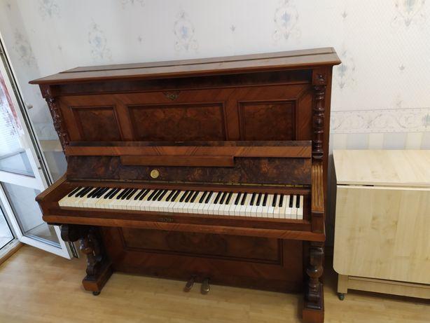 Фортепиано антиквариат , раритет в хорошем состоянии.