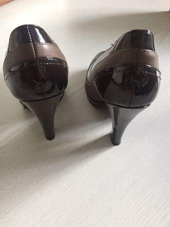 Sapato salto alto da Massimu Dutti
