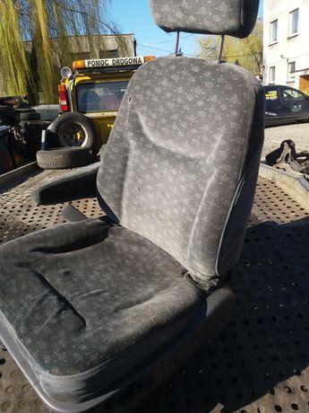 Fotel kierowcy w pełni elektryczny