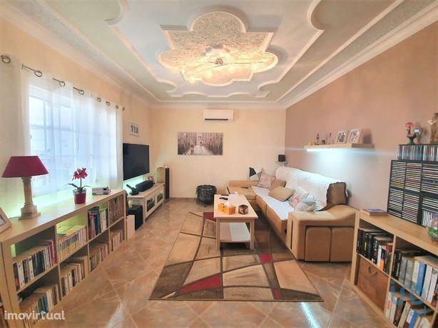 Moradia - 140 m² - T2