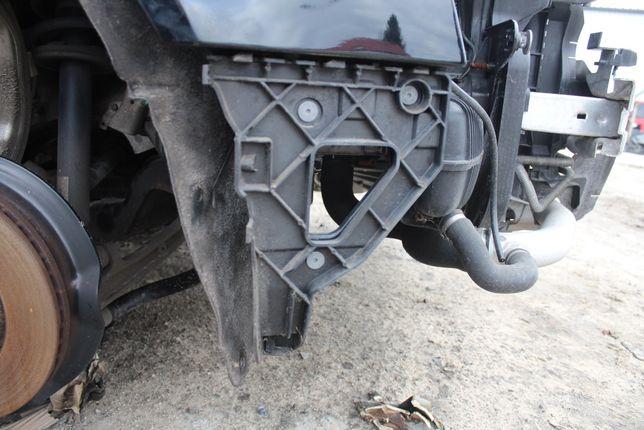 Ślizg zderzaka przedniego prawy Audi A6C6 rok 2006