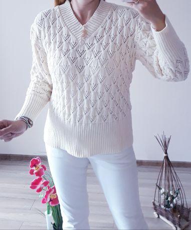 Sweter beżowy r.uniwersalny