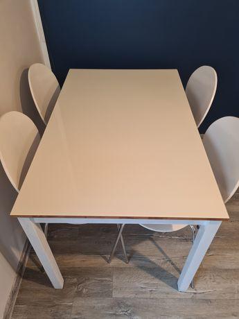 Stół drewniany, z szybą + 4 krzesła