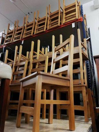 """Cadeira em madeira pinho """"Nova"""""""