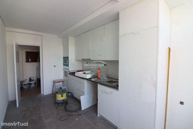 Apartamento T4 Renovado em S. Lázaro