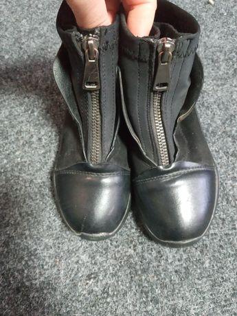 Ботинки демисезонные.27 размер.