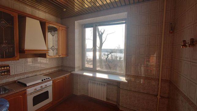 Продам трёхкомнатную квартиру на бульваре Шевченко с видом на Днепр