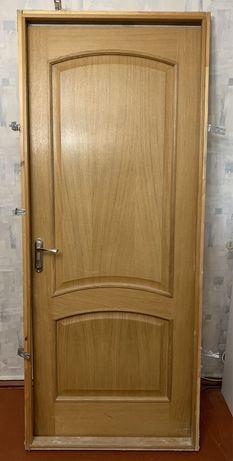Продам дверь. Массив. 80 x 200.