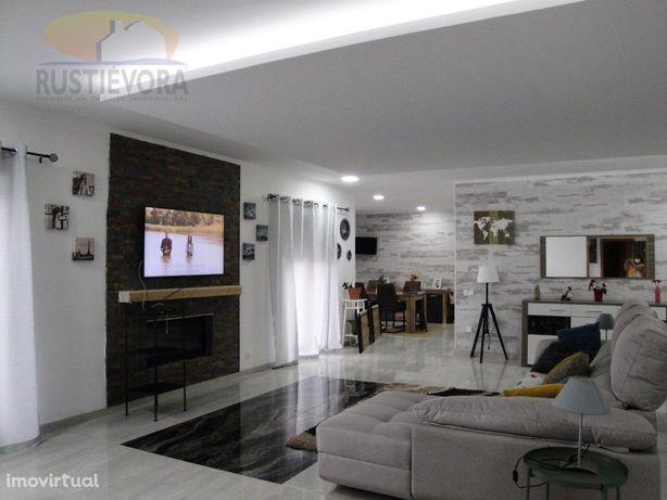 Quinta com moradia nova em Redondo | Alentejo