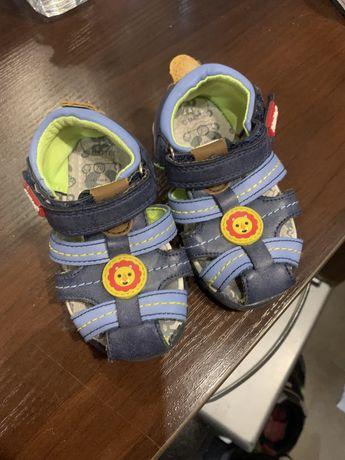 Детская обувь, детские босоножки,кожаная обувь