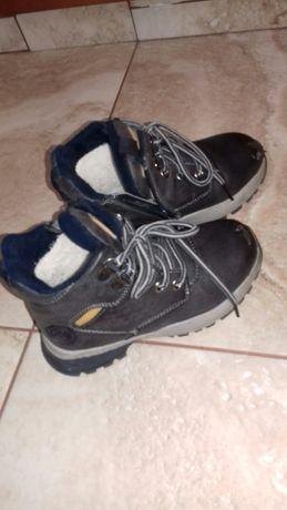 Дитяче взуття  на хлопчика.