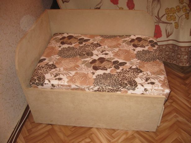 Диван -кровать детский.