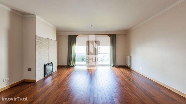 Apartamento T3 no Condomínio Fechado com Piscina em Bessa Leite, Porto