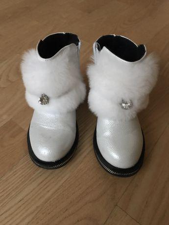 Продам осінні черевички
