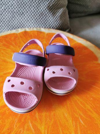 Sandałki Crocs c8 stan bardzo dobry
