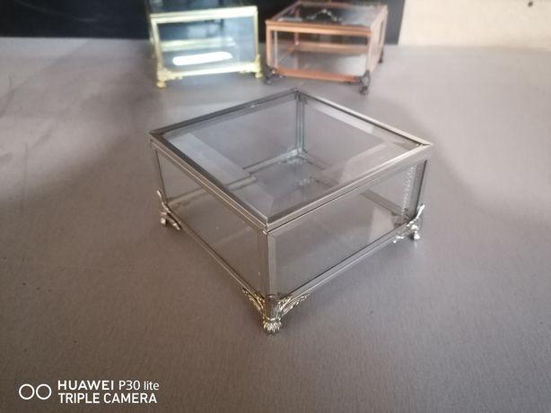 Pudełko szklane srebrne przezroczyste na obrączki organizer szkatulkq