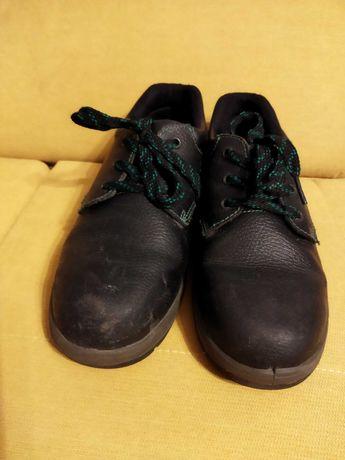 Buty robocze 40 26 cm na praktyki Rejs używane