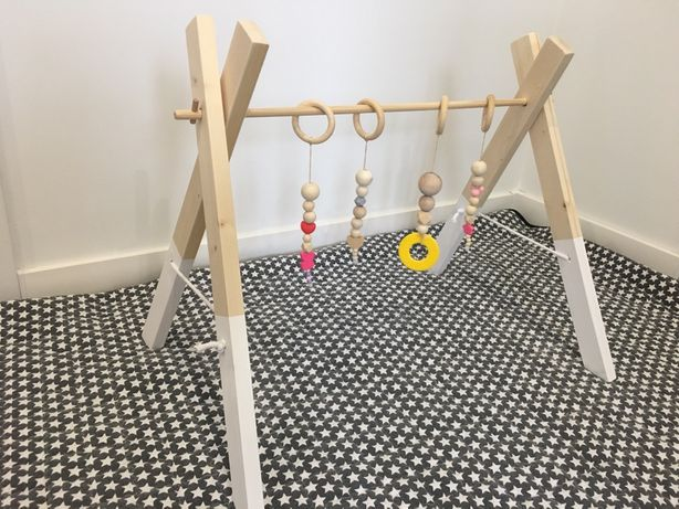 Nowy Stojak edukacyjny baby gym