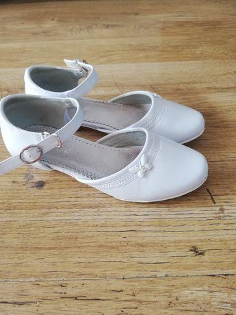Białe balerinki komunijne 36