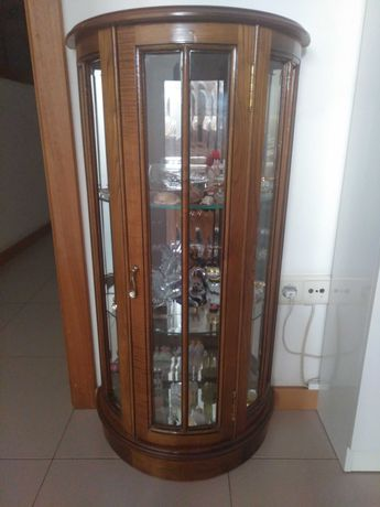 Vitrine madeira maciça e vidro