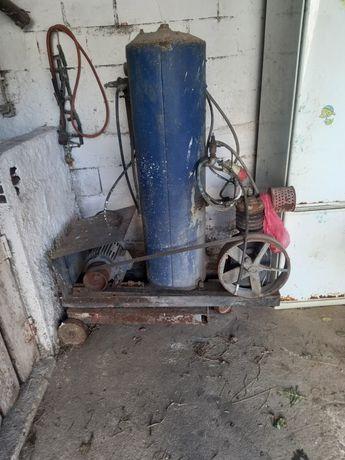 Compressor trifassico