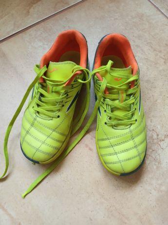 Сороконіжки взуття для футболу Joma Toledo розмір 30 на ніжку 18,5 см