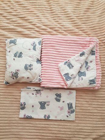 Комплект в коляску/кроватку ( плед, пеленка, подушка)