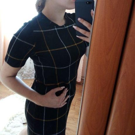 Платье чёрное в клетку