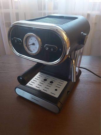 Ekspres do kawy ciśnieniowy SilverCrest SEM 1100B3