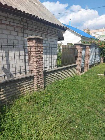 Продається  частину будинку р-н Казбет ,  Грушевського /Надпільна